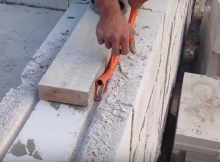 Что делать сначала: электрику или штукатурку стен. Электропроводка под штукатурку: правила монтажа, штробление, поиск скрытого кабеля